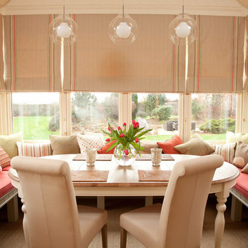 Informal dining area in conservatory