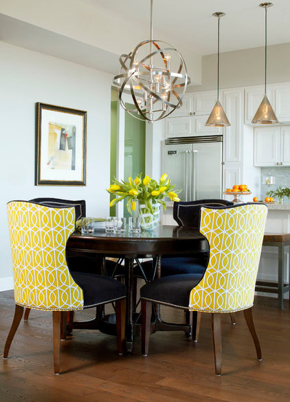 Contemporary Dining Room by Insidesign