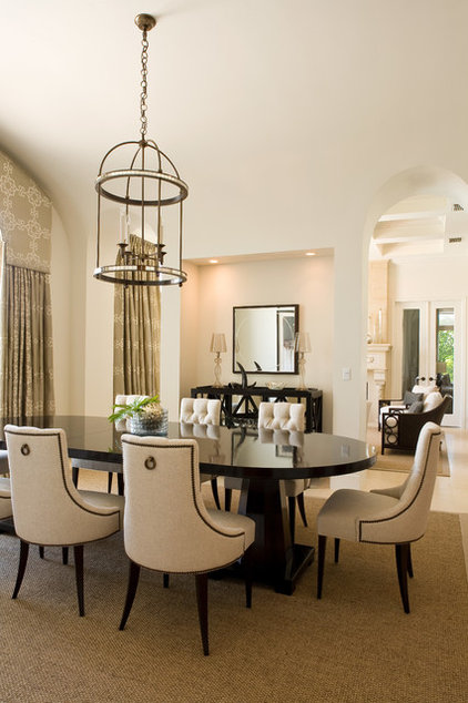 Traditional Dining Room by Laura Hay DECOR & DESIGN Inc.