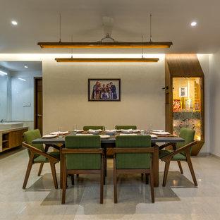 Inspiration för asiatiska matplatser, med beige väggar och beiget golv