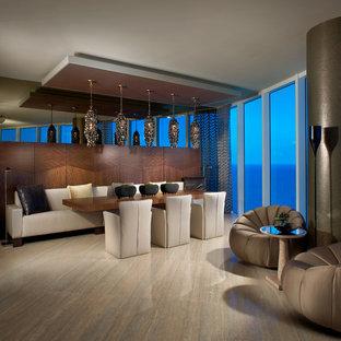 Foto di una sala da pranzo aperta verso il soggiorno contemporanea con pavimento in marmo