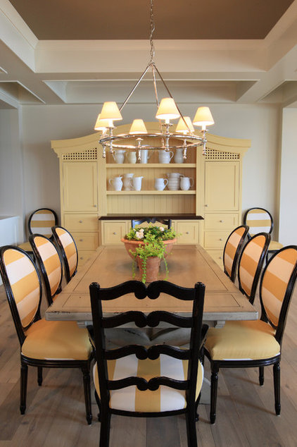 Traditional Dining Room by Visbeen Architects