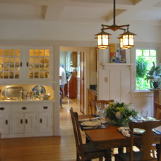 Traditional Dining Room by James Hill Architect, AIA
