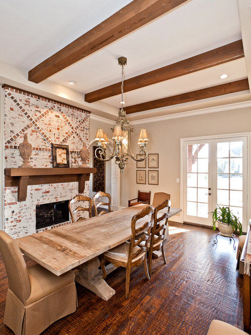 Farmhouse table ideas pictures remodel and decor - Traditional farmhouse style dining table to enhance the room ...