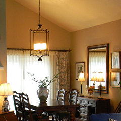 traditional dining room by Janzel Kelly Interiors A.S.I.D.