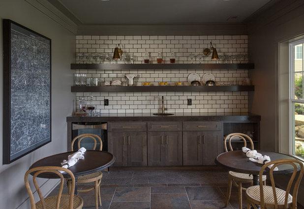 Nyklassisk Spisestue by Romanelli & Hughes Custom Home Builders