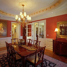 Traditional Dining Room by JMA (Jim Murphy and Associates)