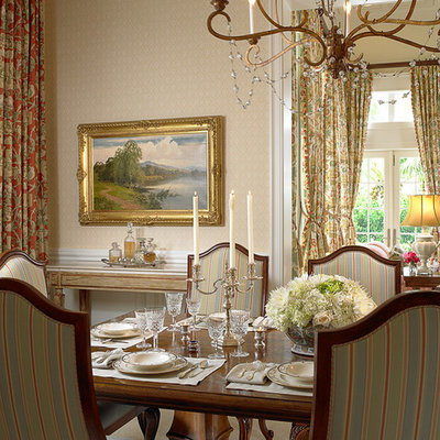 Inspiration for a large timeless kitchen/dining room combo remodel in Miami with beige walls