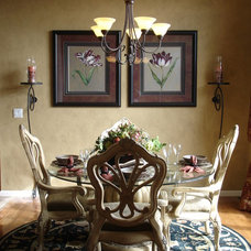 Traditional Dining Room by The DesigNest