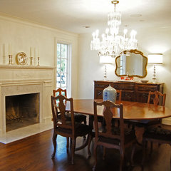 traditional dining room by Kara Weik