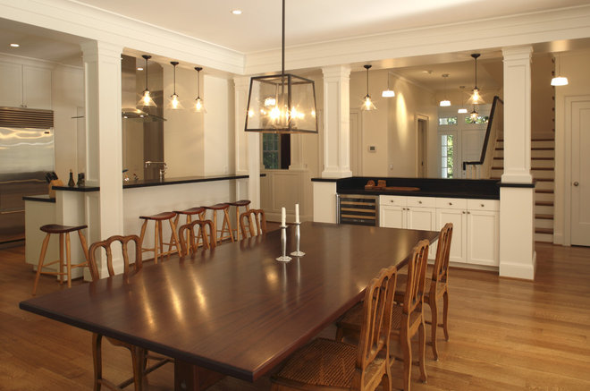 Traditional Dining Room by Giulietti Schouten Architects
