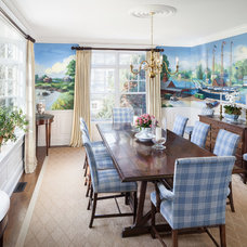 Beach Style Dining Room by Irvin Serrano