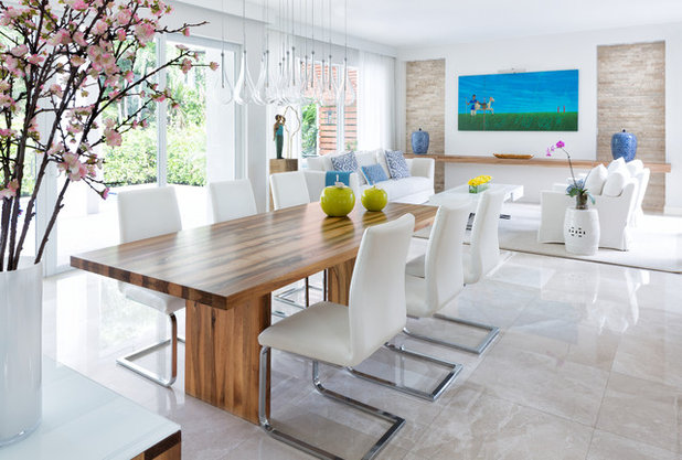 Coastal Dining Room by Interiors by Maite Granda