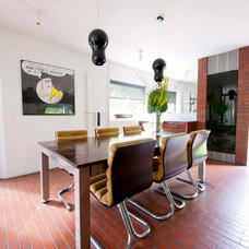 Modern Dining Room by Walk Interior Design Limited