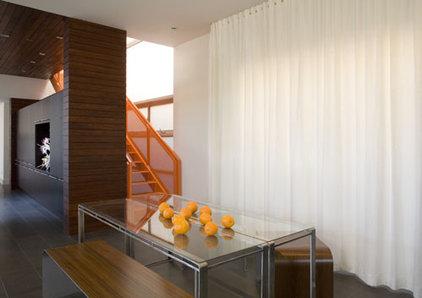 Modern Dining Room by LEANARCH Inc.