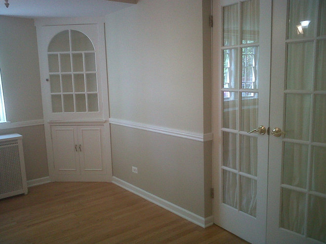 Traditional Dining Room by Old Chicago Paint Co.