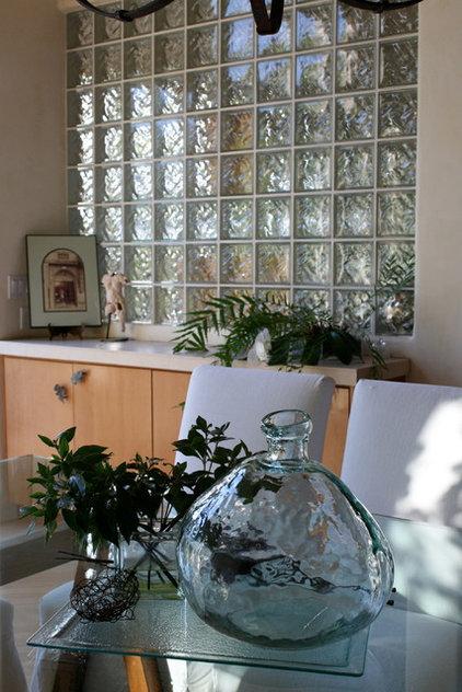 Modern Dining Room by Nan Tofanelli