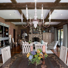 Traditional Dining Room by Durrett Homes