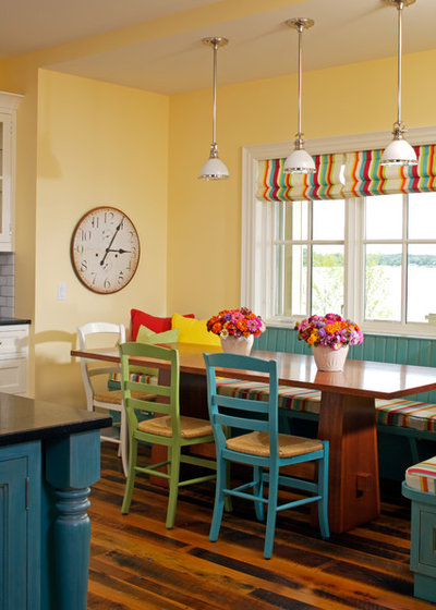 Traditional Dining Room by Zahn Builders Inc.