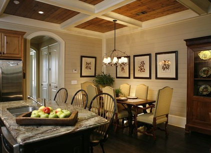 Traditional Dining Room by Jennifer Orne