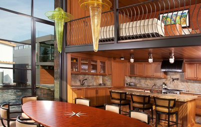 Houzz Tour: A Bark-Covered Floating Getaway on Lake Union