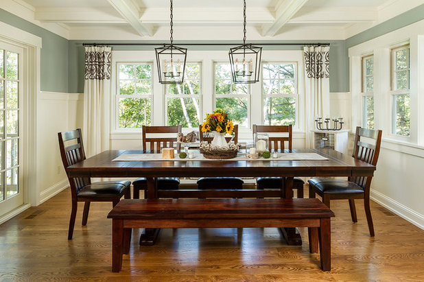Traditional Dining Room by Fluidesign Studio