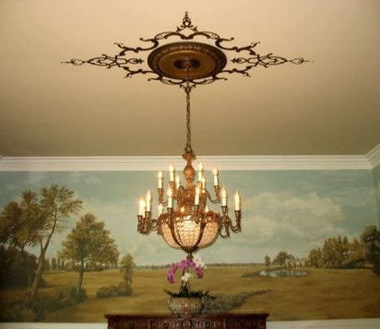 Traditional Dining Room by Jeff Raum Studios