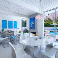 Modern Dining Room by H3K Design