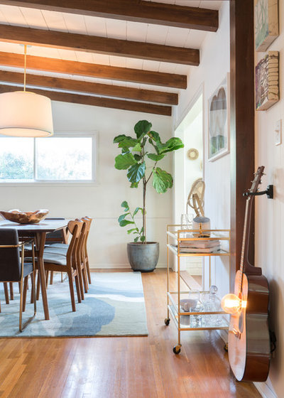 Midcentury Dining Room by Oh beauty Interiors