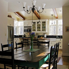 traditional dining room by Sunbiosis PLC