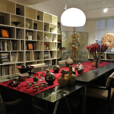 Contemporary Dining Room by IVAN C. DESIGN LIMITED