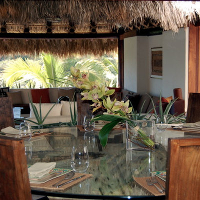 Kitchen/dining room combo - large tropical kitchen/dining room combo idea