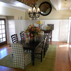 Traditional Dining Room lowen