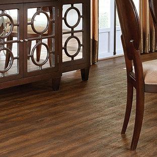 Создайте стильный интерьер: столовая в классическом стиле с полом из винила без камина - последний тренд