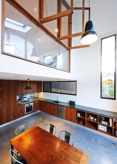 Contemporary Dining Room by Mackenzie Pronk Architects