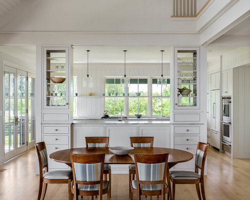 Beach style dining room design ideas remodels photos for Beach dining room ideas