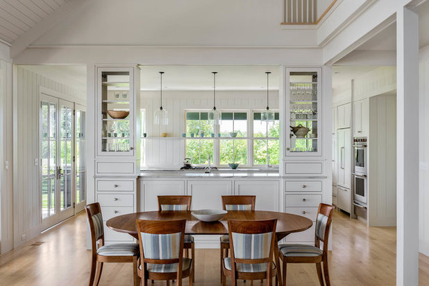 Beach Style Dining Room by Hamilton Snowber Architects