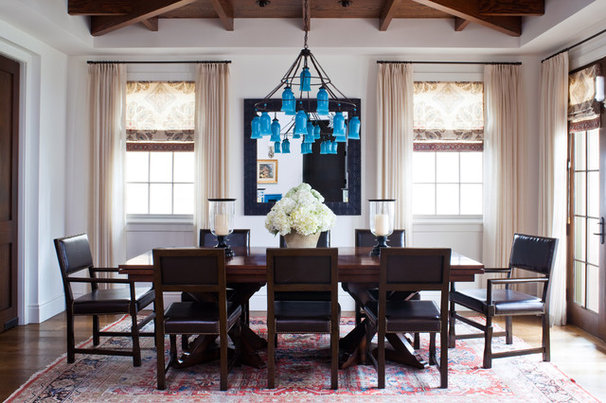 Beach Style Dining Room by Wendy Resin Interiors
