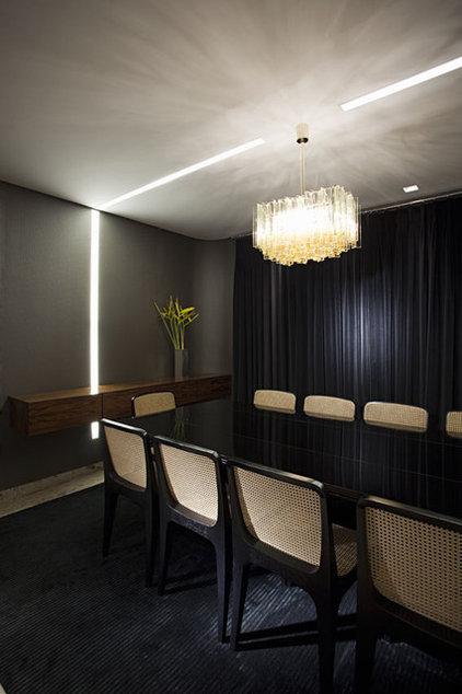 Contemporary Dining Room by Marcelo Brito & Pedro Potaris