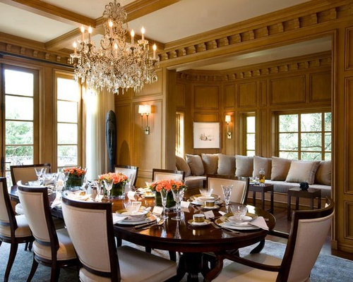 Example Of A Classic Dark Wood Floor Dining Room Design In San Francisco