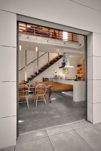 Modern Dining Room by Chris Pardo Design - Elemental Architecture