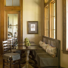farmhouse dining room by Yvonne McFadden LLC