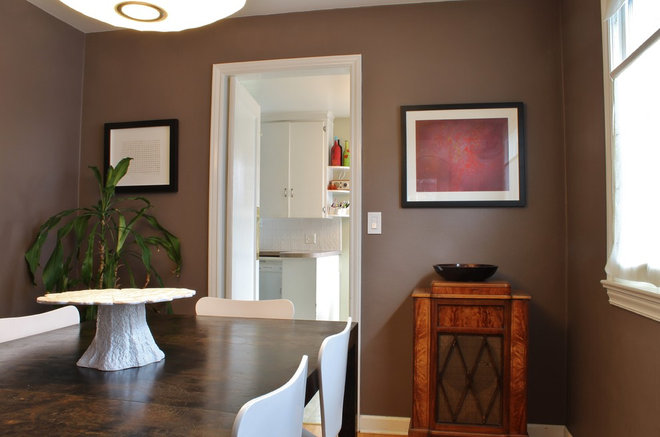 Contemporary Dining Room by Kimberley Bryan