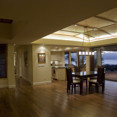 Inspiration for a tropical great room remodel in Hawaii