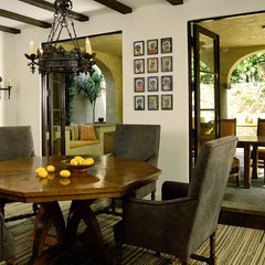 mediterranean dining room by Tommy Chambers Interiors, Inc.