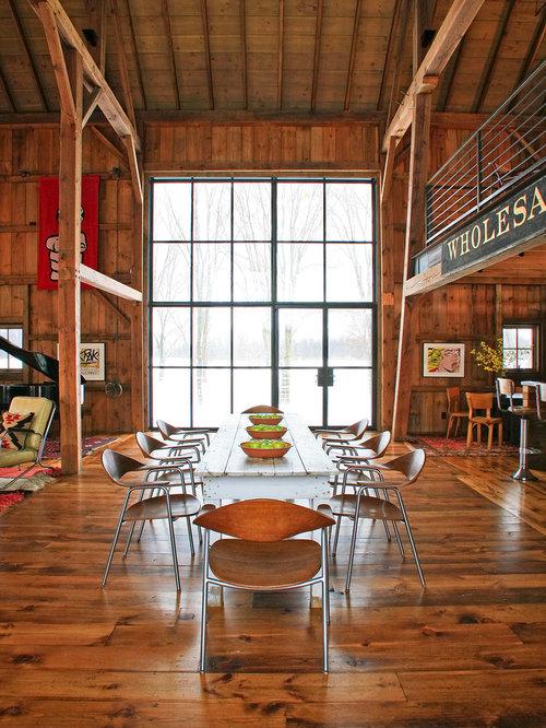 Farmhouse dark wood floor great room idea in Detroit