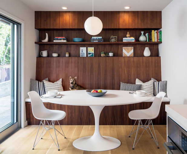 Midcentury Dining Room by building Lab, inc.