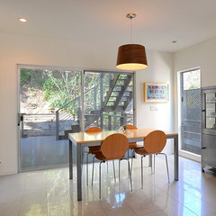 contemporary dining room by Hart Wright Architects, AIA