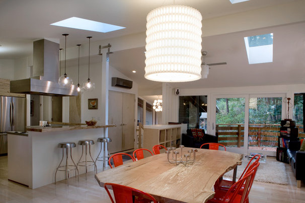 Midcentury Dining Room by 2fORM Architecture