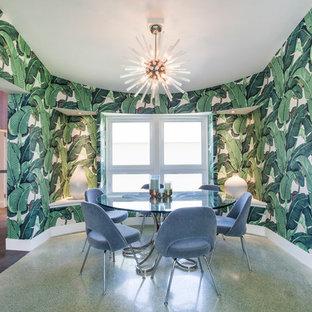 Idee per una sala da pranzo minimalista chiusa con pareti verdi